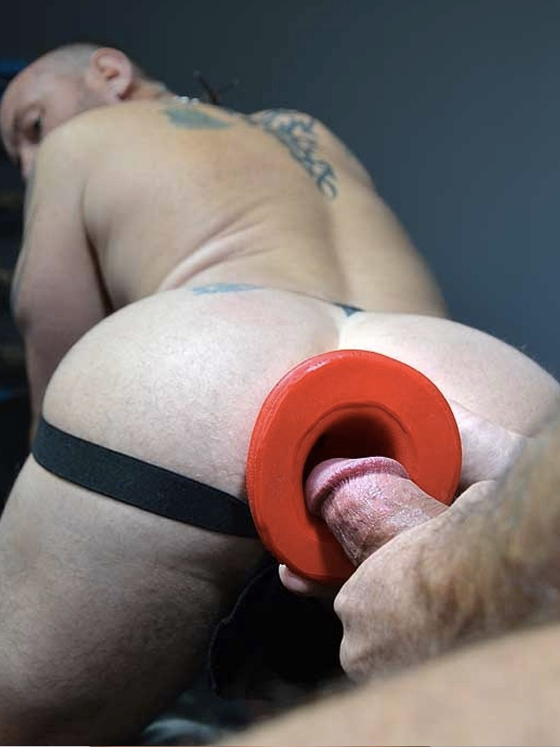 men-using-giant-butt-plug-video